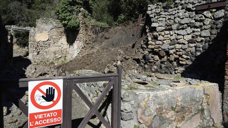 2755e953-Italy Pompeii