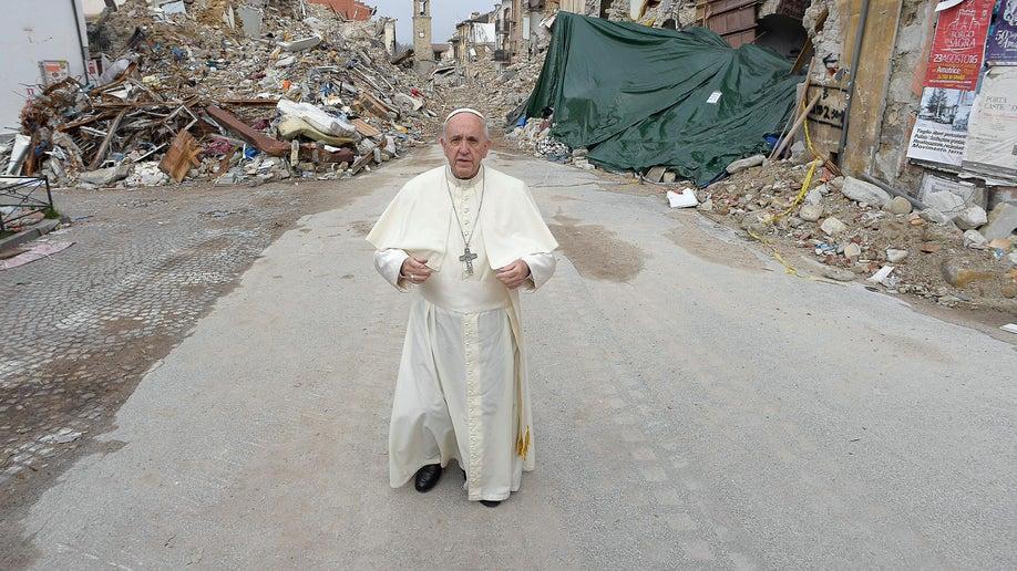 9008a76c-Italy Pope Quake