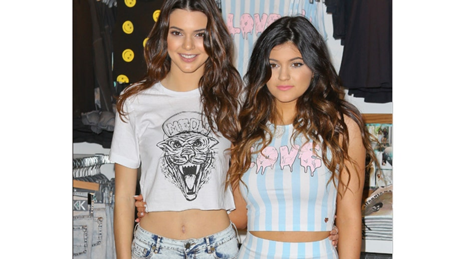 98e448a8-Kendall Jenner, Kylie Jenner