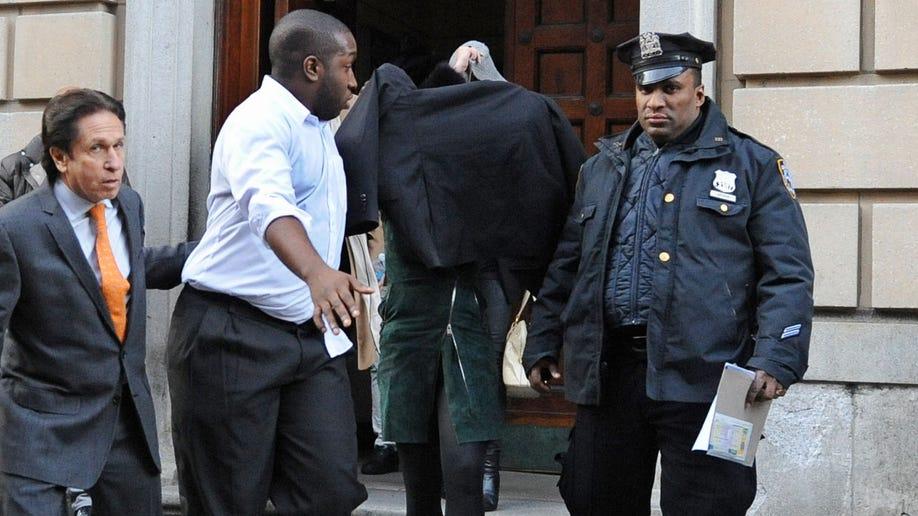b6236971-Lohan-Assault Arrest