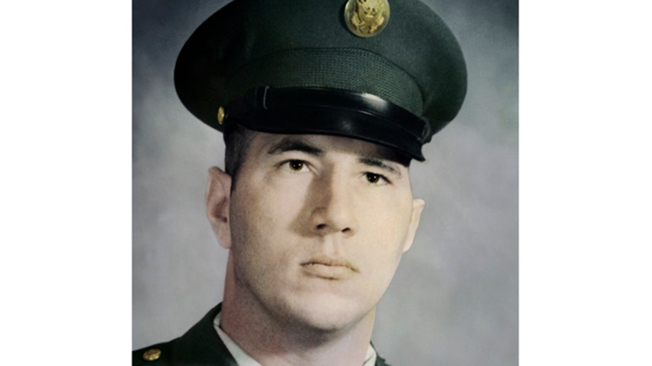 5927fb89-Obama Medal of Honor