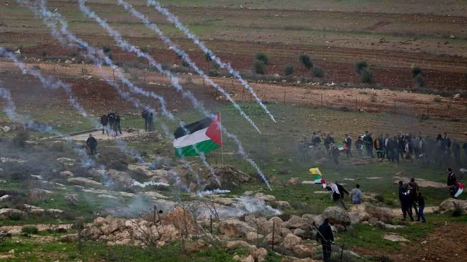 7baa7d19-Mideast Israel Palestinians