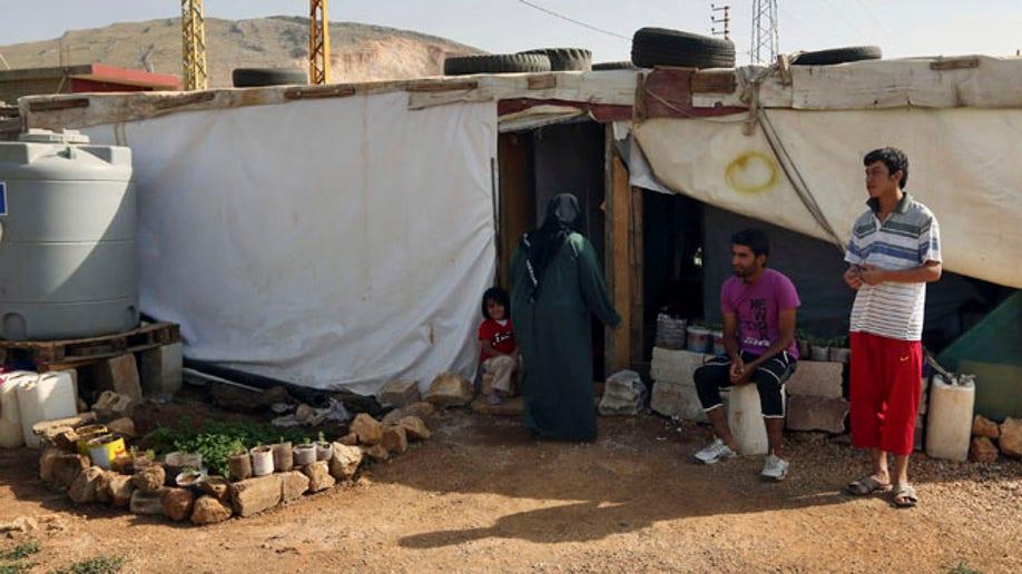 517e83a9-Mideast Lebanon Syria Refugees
