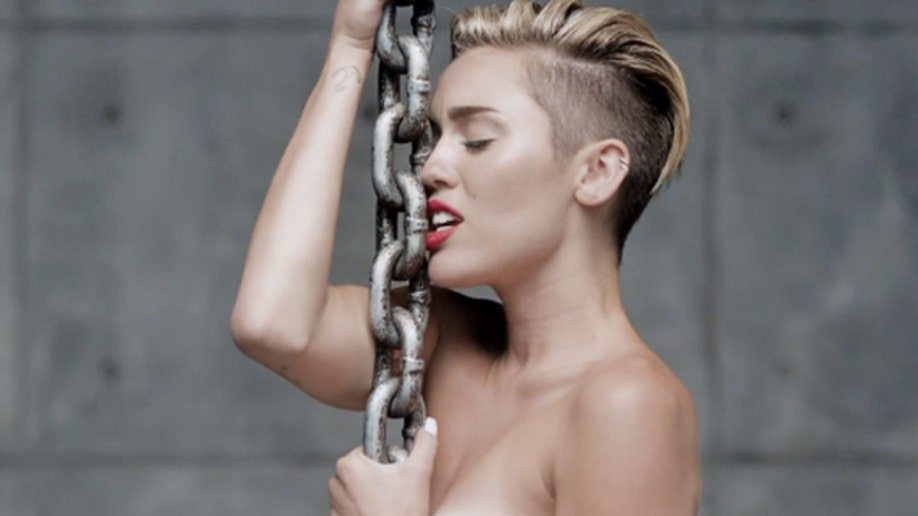 Miley Cyrus' 'Wrecking Ball' director has checkered past | Fox News