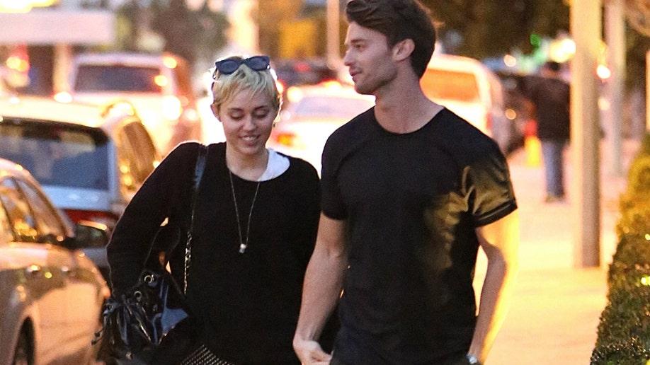 d1937107-Miley Cyrus