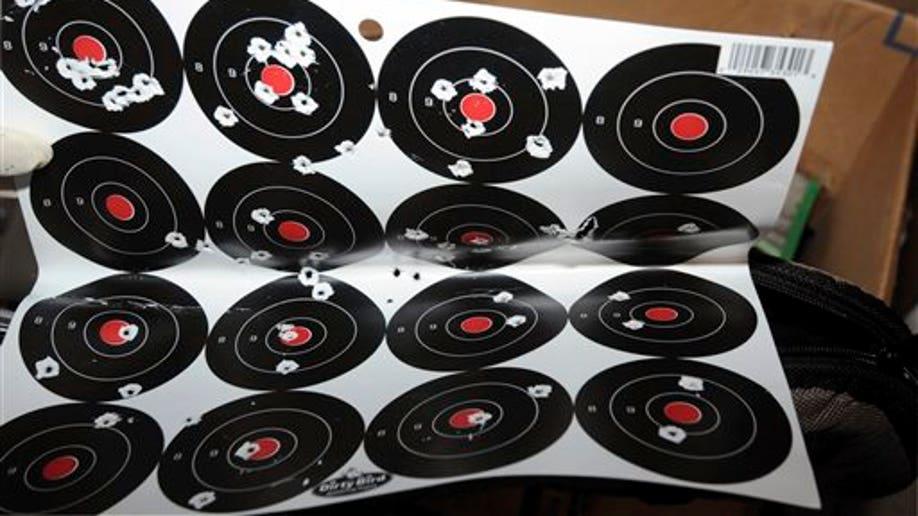 72319275-APTOPIX Connecticut School Shooting