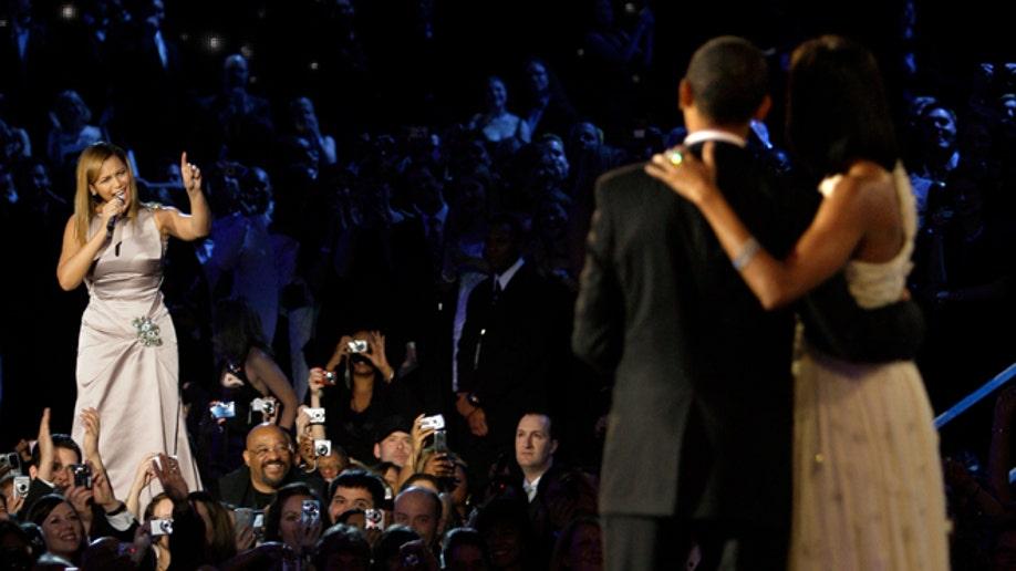 8a902ee0-Obama Beyonce