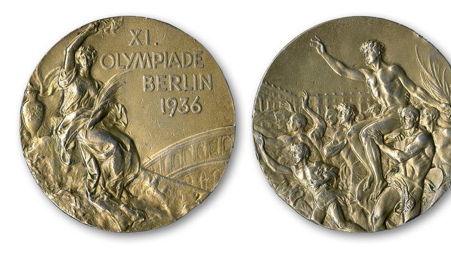 9de0f0fb-Owens Medal Auction