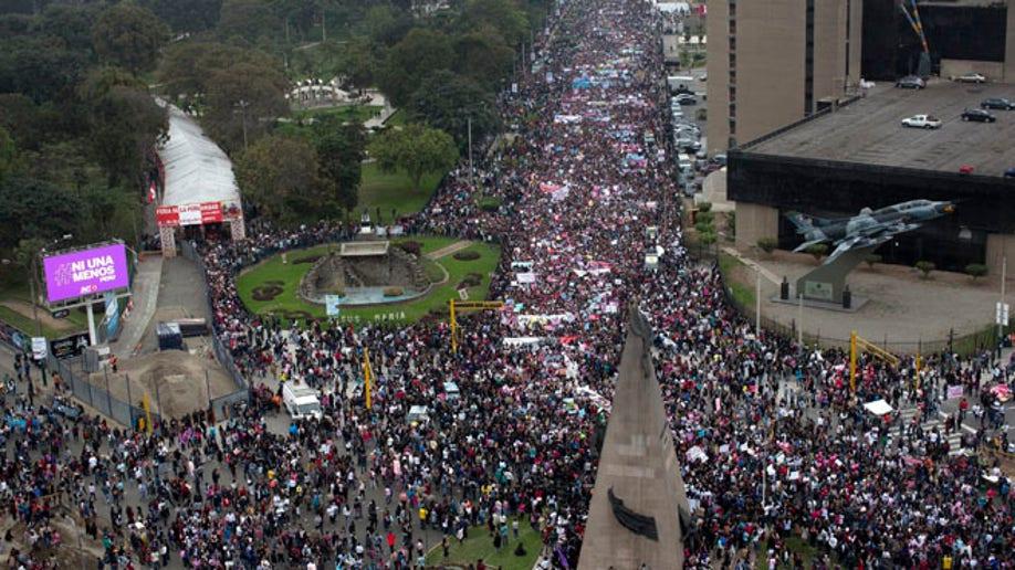 c8be2652-Peru Domestic Violence March