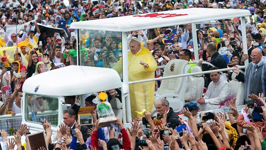 5e4f7f47-Philippines Pope Asia