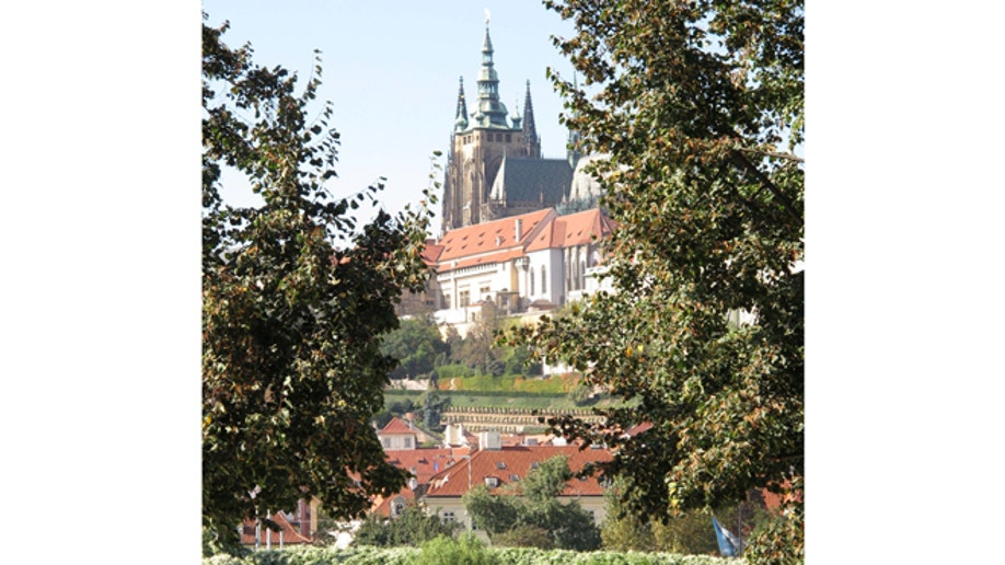 fa26cd9b-Travel-Trip-5 Free Things-Prague