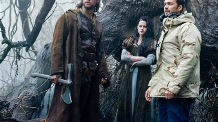 Film Review Snow White and the Huntsman