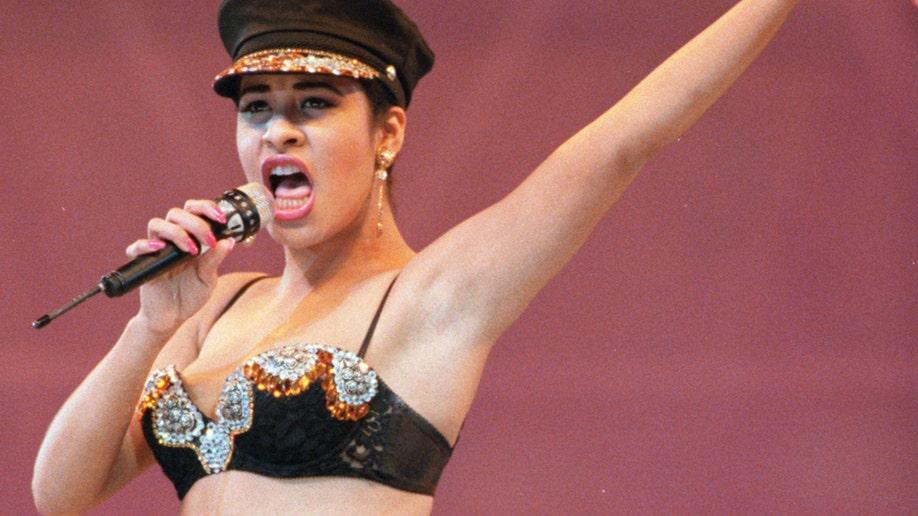 89cbaf29-Selena Quintanilla