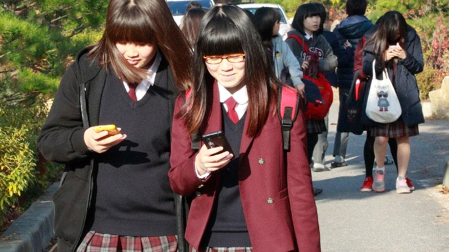 e9fbacb6-South Korea Digital Addiction