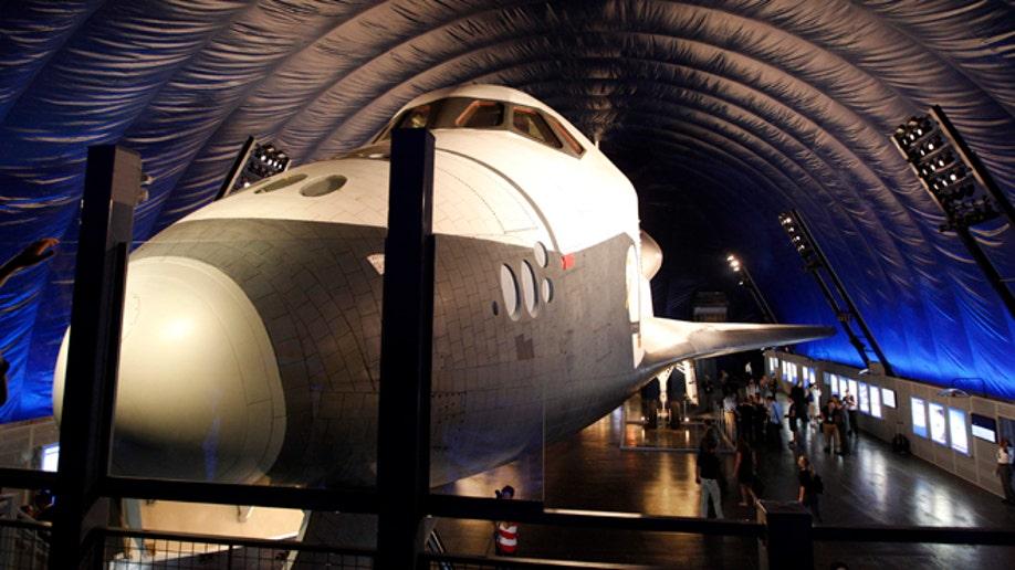 d95bb697-Space Shuttle Pavillion