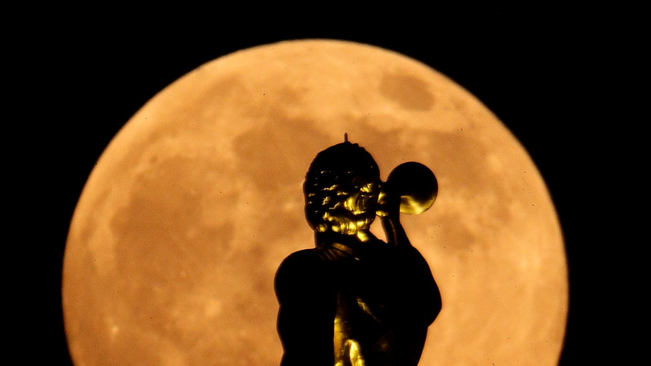 Supermoon_2013_Saint