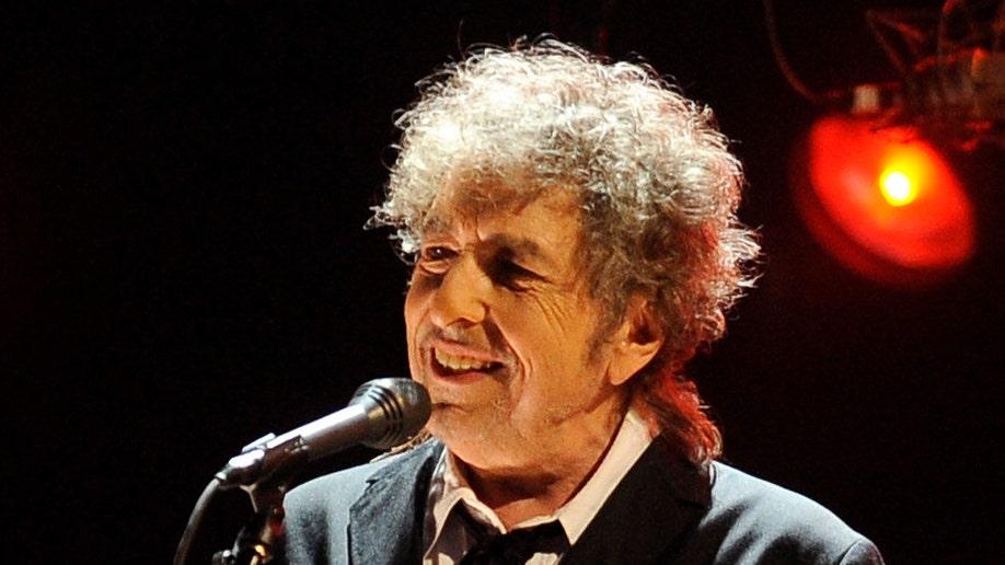 TV-Dylan's Guitar