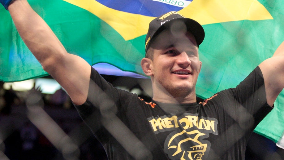 UFC Velasquez Dos Santos Mixed Martial Arts