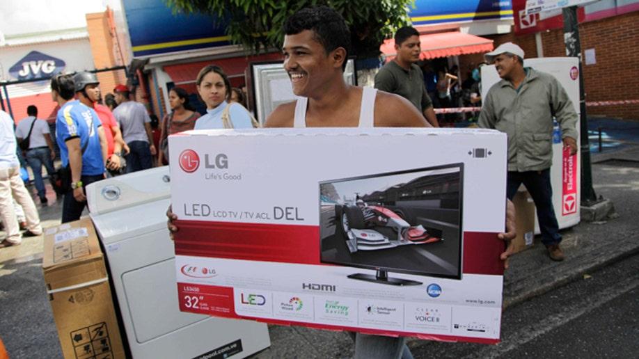 223616b0-Venezuela Frenzied Shopping