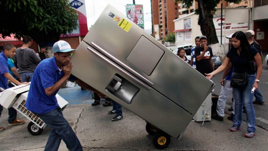 92bd4ab8-Venezuela Frenzied Shopping