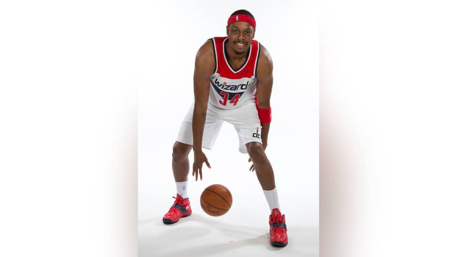 watch 9ec28 f883d How times have changed: Paul Pierce shows off Wizards ...