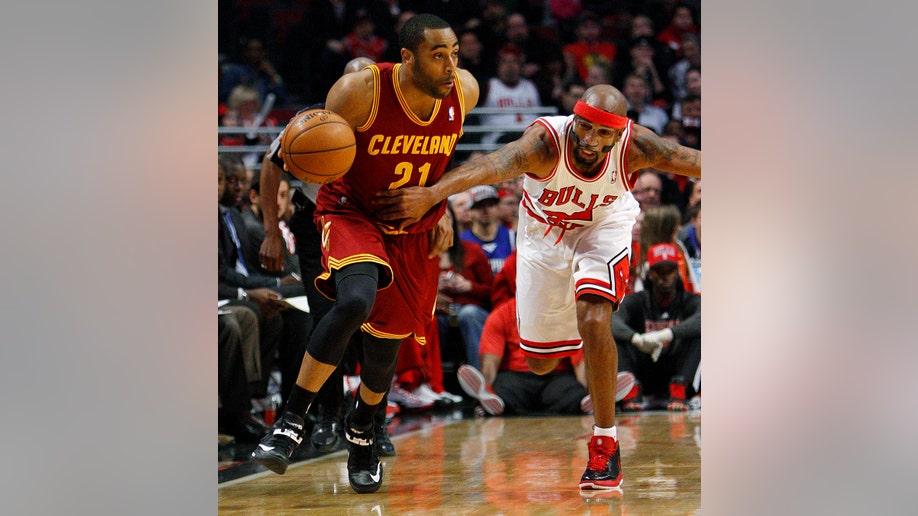 7e3a4ed7-Cavaliers Bulls Basketball
