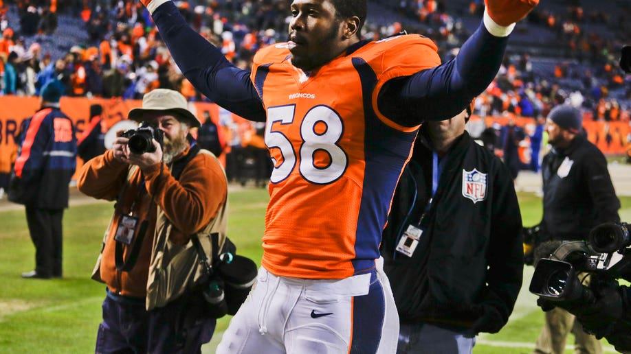 06d24733-Chiefs Broncos Football