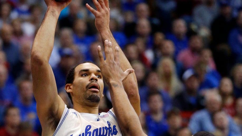 1b6adda9-Oklahoma Kansas Basketball
