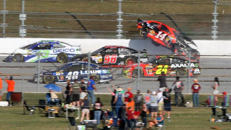 22dcfd34-NASCAR Talladega Auto Racing