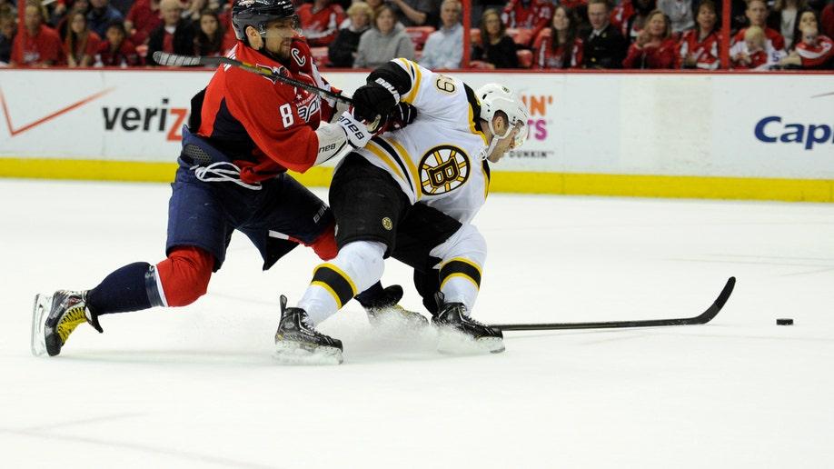 f9e8fe0e-Bruins Capitals Hockey