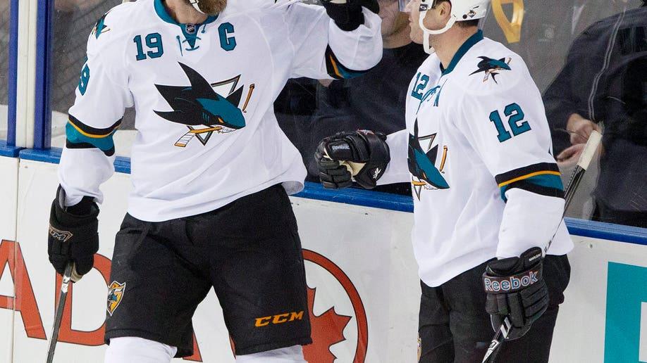 e9efb9db-Sharks Oilers Hockey