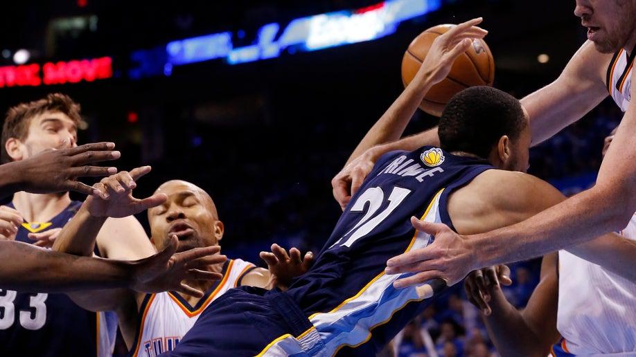 5e328ad4-Grizzlies Thunder Basketball