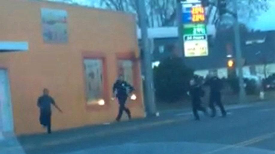 a399e602-Washington Police Shooting