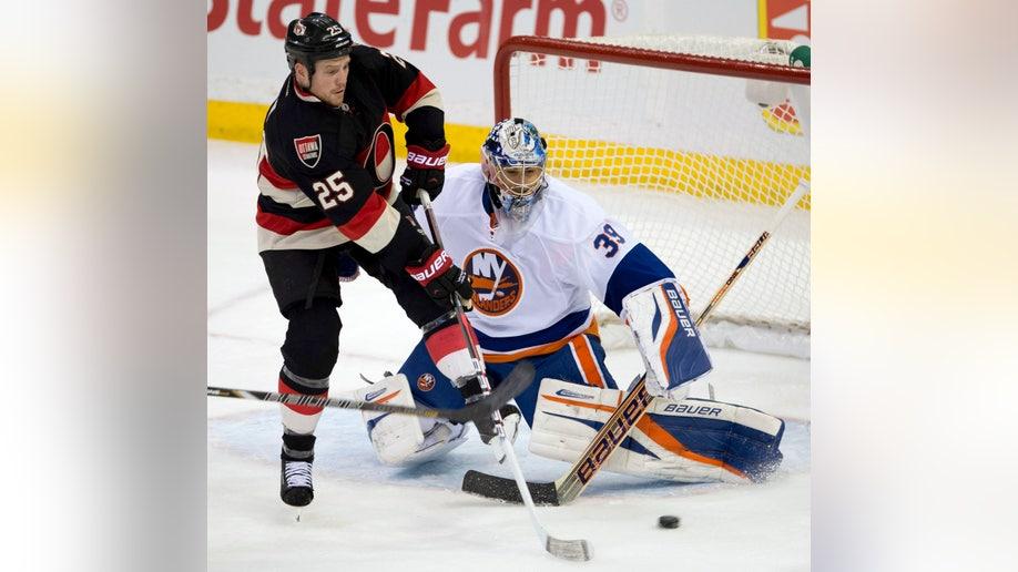 eea5e43f-Islanders Senators Hockey