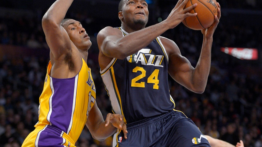 0335c1bf-Jazz Lakers Basketball