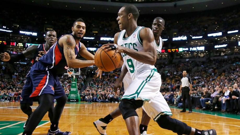 04cb12e9-Hawks Celtics Basketball