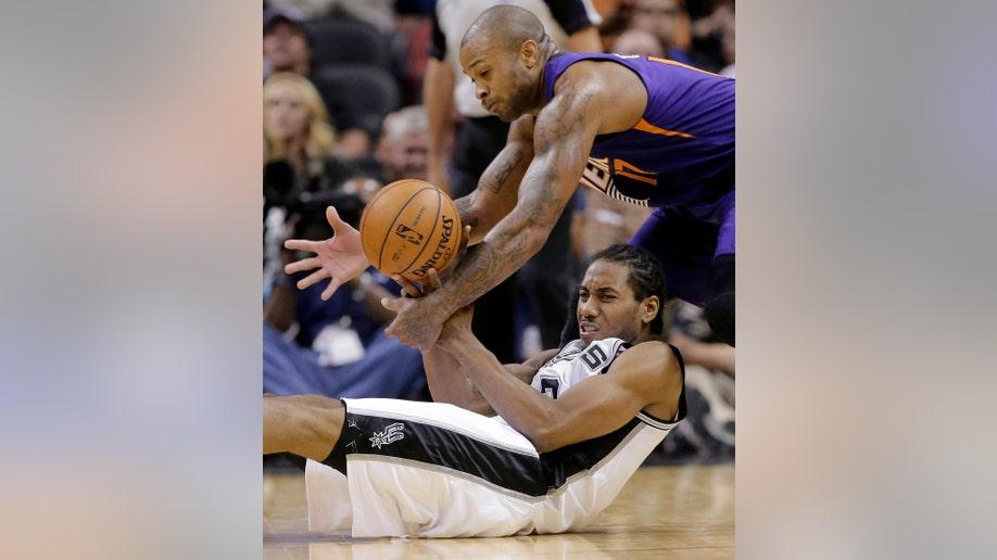 b1092823-Suns Spurs Basketball