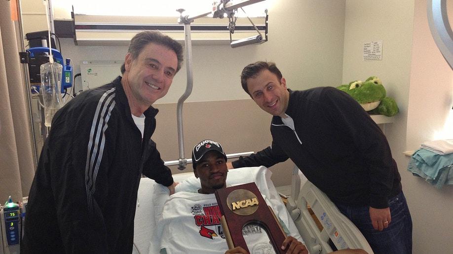 a77ac818-NCAA Ware Injury Basketball