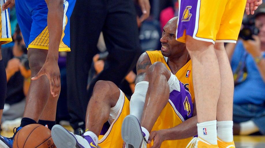 80cc242d-Warriors Lakers Basketball