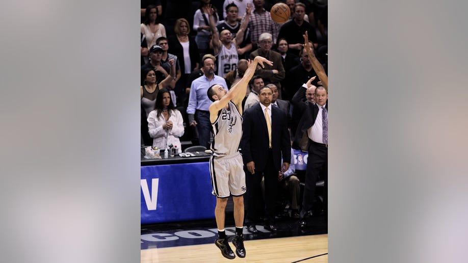637435c6-Warriors Spurs basketball