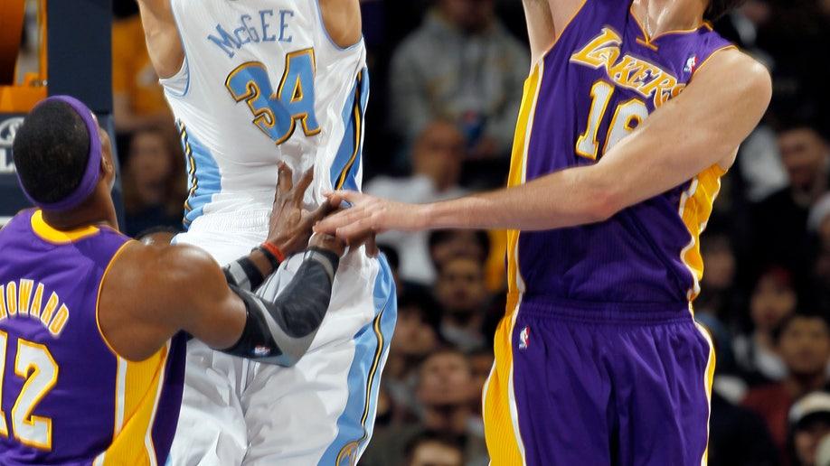 bae12bb1-Lakers Nuggets Basketball
