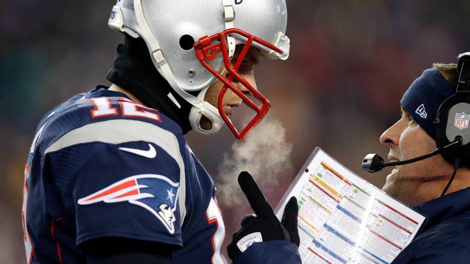 6514214b-Broncos Patriots Football