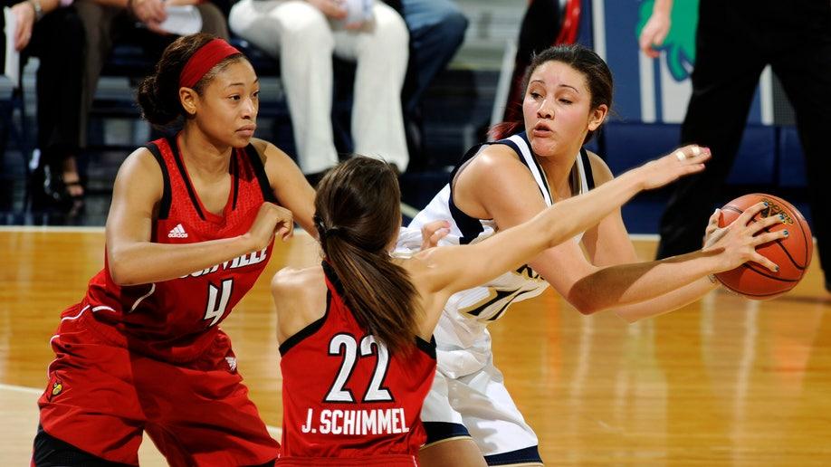 90f64031-Louisville Notre Dame Basketball