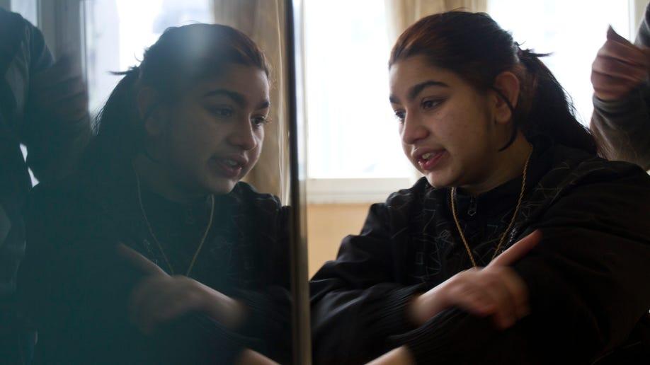 67724ba4-Kosovo France Family Expelled