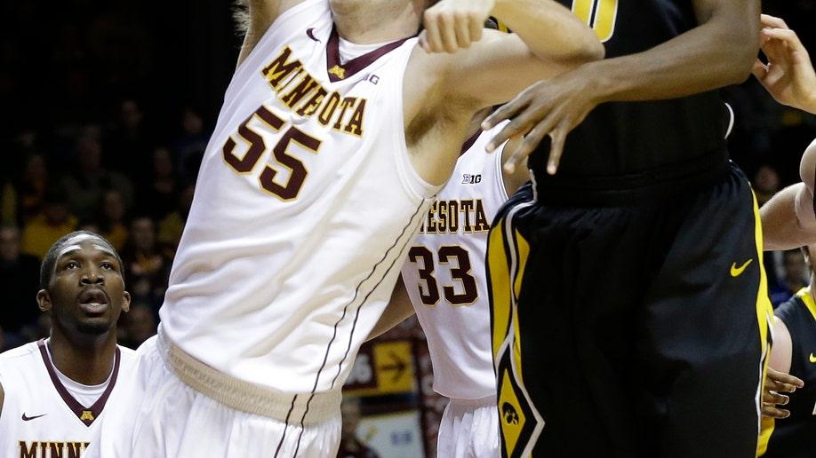ba6faff4-Iowa Minnesota Basketball
