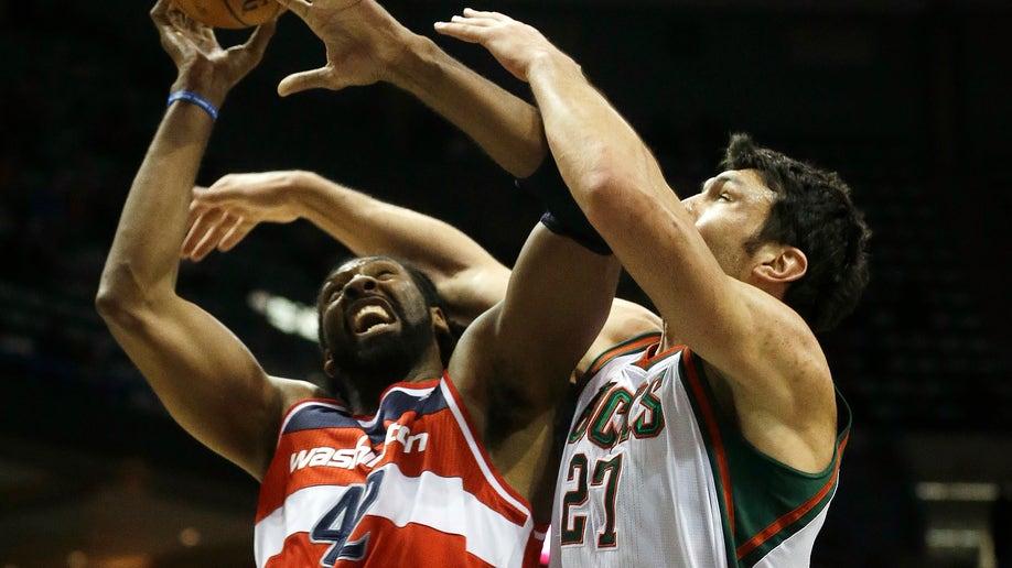 c3e4f901-Wizards Bucks Basketball