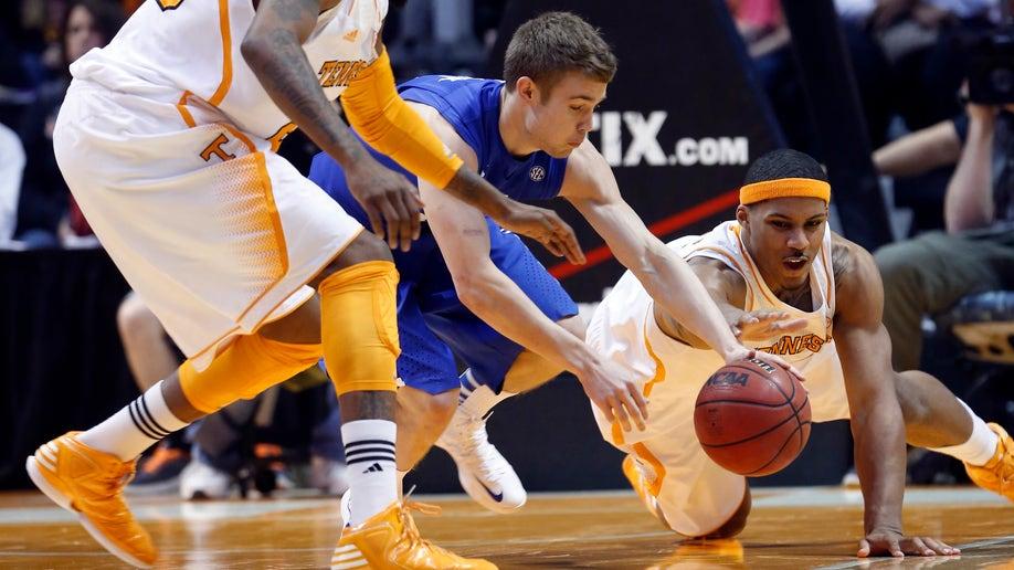 751789d2-Kentucky Tennessee Basketball
