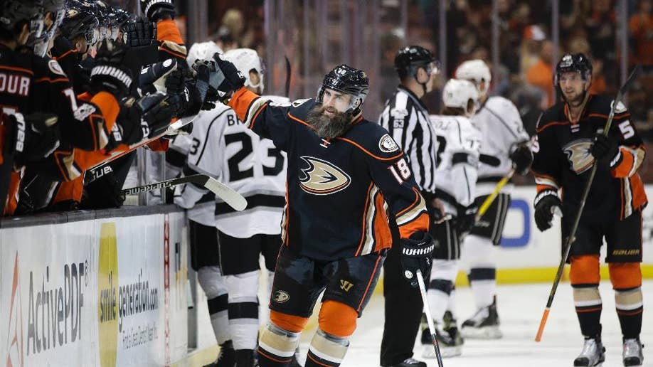 Ducks Win 5th Straight Pacific Title Beating La 4 3 In Ot Fox News