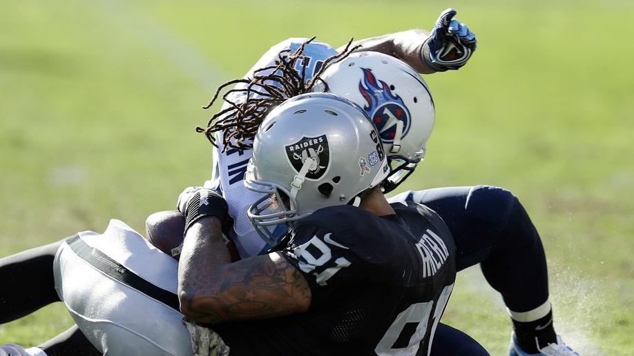 479ab4e3-Titans Raiders Football