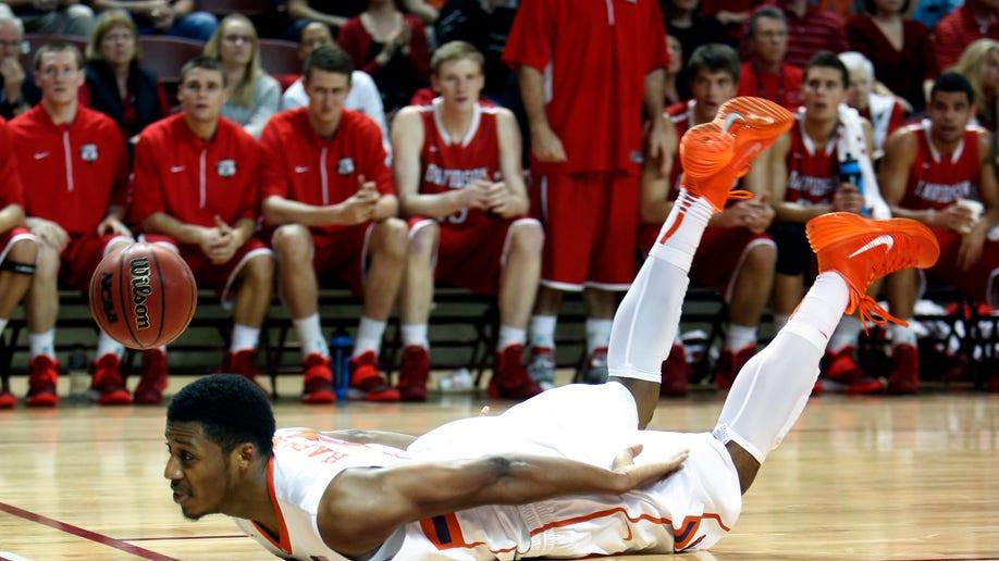 Clemson Davidson Basketball